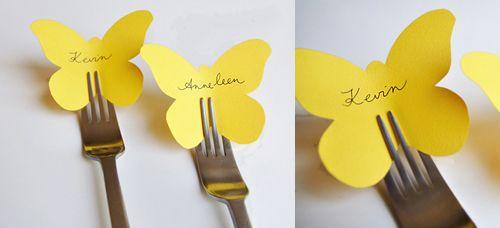 Platzkarten Gabel Schmetterling von http://www.jagentin.de/2011/08/tischkaertchen-zum-selber-basteln/