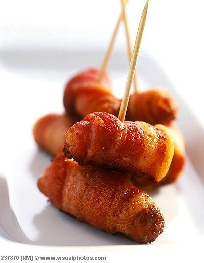 sausage wrapped in bacon... best breakfast food everrrrrr!