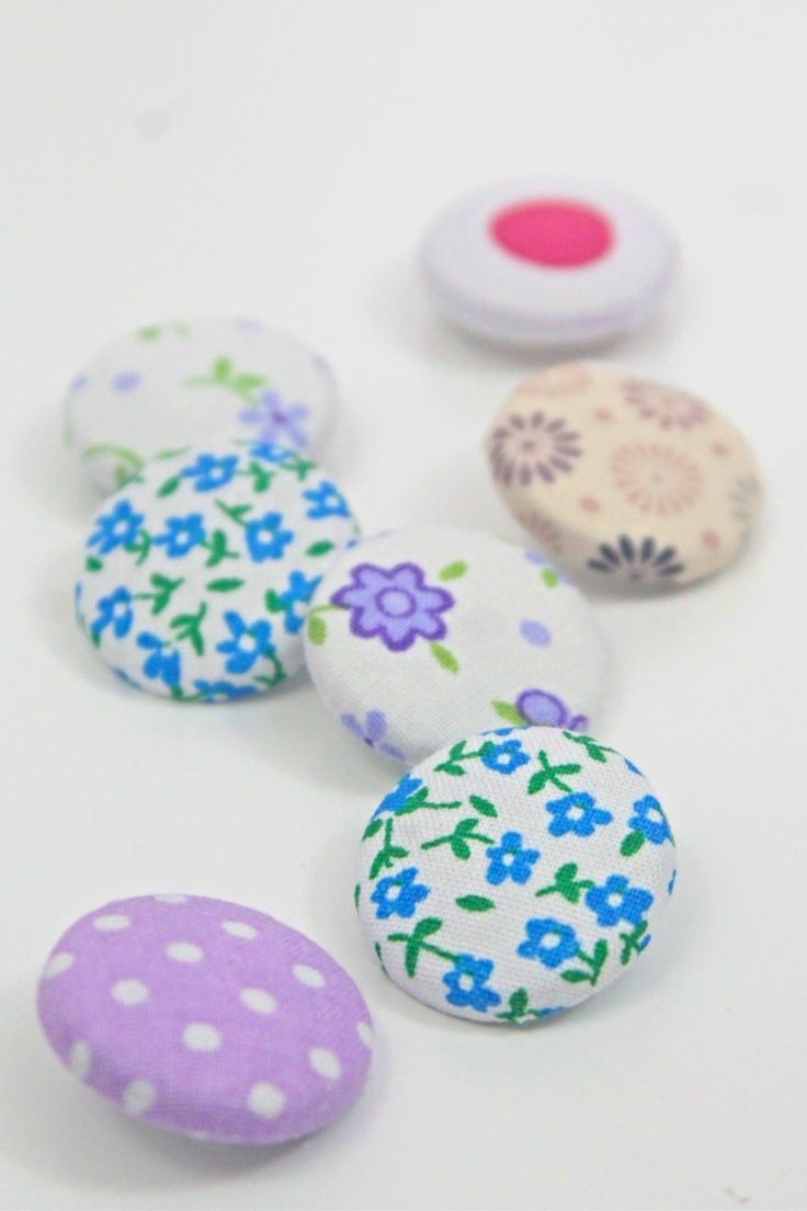 Learn How To Make Fabric Buttons For Your Own Projects At Home Without Any Special Tools Or A Button Cover Kit Diy Fabric Fabric Covered Button Button Crafts