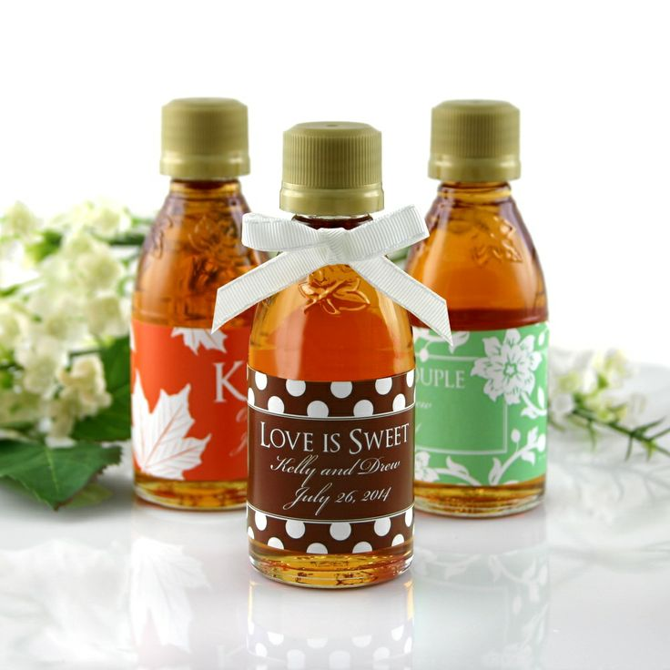 Personalized Maple Syrup Wedding Favor | #exclusivelyweddings