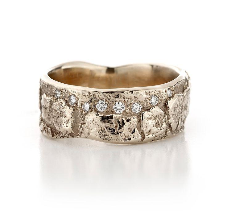 trouwring in witgoud, champagne kleur, champagnewitgoud met diamant. kan ook in het roodgoud of geelgoud