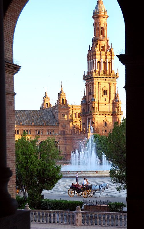 Plaza de Espana, Seville Spain   I miss this place sooo much, perfect spot for an afternoon of reading and relaxing...