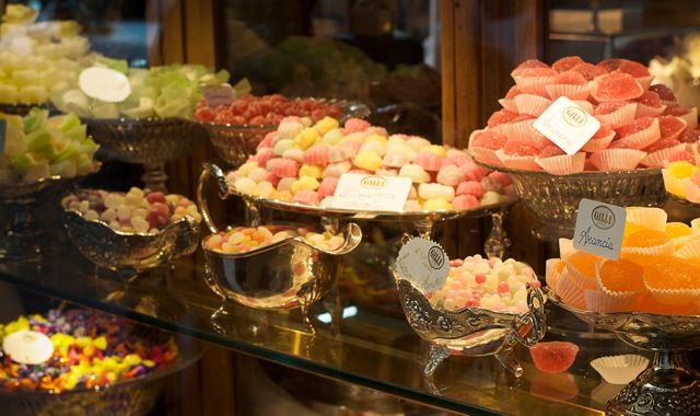 Isn't life in Florence Italy simply Dolce? Click photo for more.