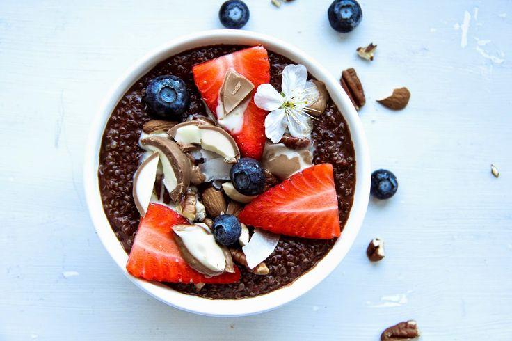 Cherries on Top: Kokosová quinoa kaše s pralinkami Lindt