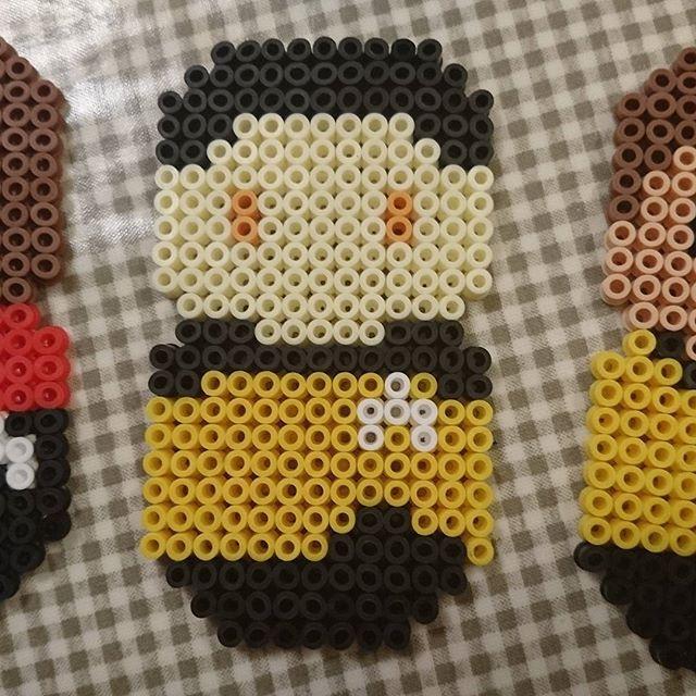 Pärlplatte-alfabets-Star Trek, D: Andreofficer Data, en intelligent android med en stark längtan efter mänskliga känslor. Spelar även poker, fiol, målar och högläser dikter. Star Trek: The Next Generation (1987-1994) och fyra långfilmer (1994-2002). #pärlplatta #startrek