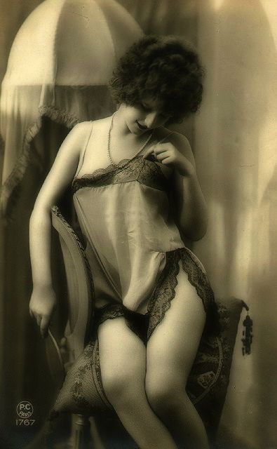 vintage lingerie 20s