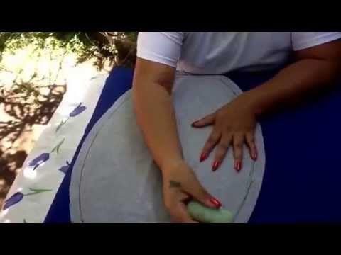 Seguindo o primeiro vídeo com passo a passo este é o segundo onde a artesã Cony nos ensina como montar um jogo de banheiro.