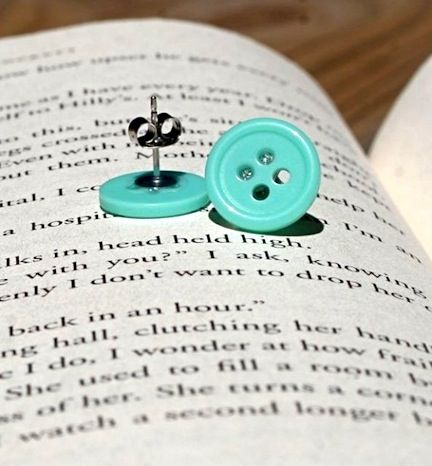 buttons made into earrings! I have wanted to try this since I do the button bobby pins.