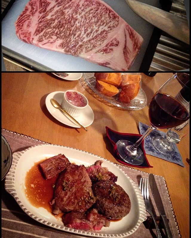 ステーキ、ハンバーグ、コンビーフと赤ワイン #ステーキ #steak #ハンバーグ #hamburg #hamburger #コンビーフ #cornedbeef #牛肉 #beef #肉 #meat #パン #bread #bun #bake #sauce #soysauce #オリーブオイル #oliveoil #山葵 #wasabi #赤ワイン #ワイン #wine #vin #vino #ディナー #dinner #夕食 #家飲み