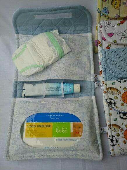 Porta pañales/crema antipañalitis y o toallitas