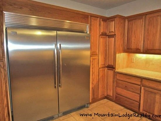 Wildlife Manor Full Sized Freezer And Full Sized Refrigerator To Accomodate  Your Large Groups Groceries