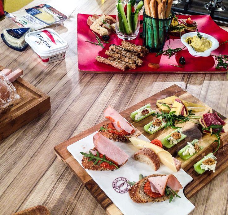 Πλατό τυριών και αλλαντικών με βούτυρο Lurpak και Castello Danablu. Παρέα με Ελένη Ψυχούλη και Νόη Ιωαννίδου. Μην το χάσετε στο Chef στον αέρα!!!