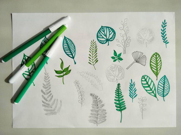 La pausa pranzo oggi va ci così, tra veloci disegni alla ricerca del soggetto che più mi ispira per il mio primo timbro! So che sarà una foglia, devo solo decidere quale.  #illustration #illustrazione #leaves #foglie #drawing #draw #disegno