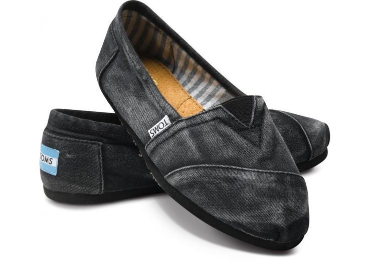 How to Wash TOMS Shoes