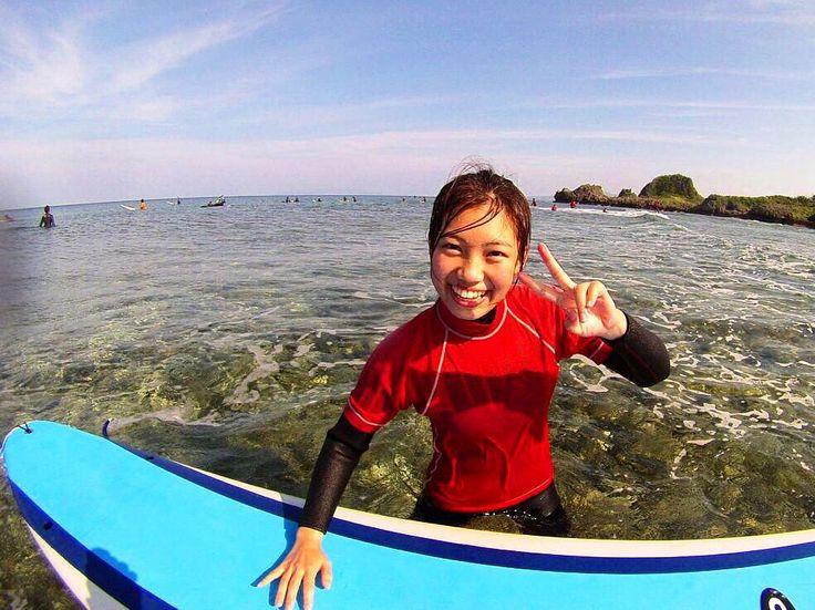 初めてのライディング最高にかわいい笑顔見せてくれました #沖縄 #初 #サーフィン #恩納村 #体験 #オキナワ #笑顔 #ピース #充実 #空 #ライディング #okinawa #surfing #firsttime #surflessons #clearwater #visitokinawa #longboard #ロングボード #波乗り #沖縄旅行 #instagood #welcometothegoodlife #ようこそ #smile #かわいい #たのしい #海 #sky #海きれい