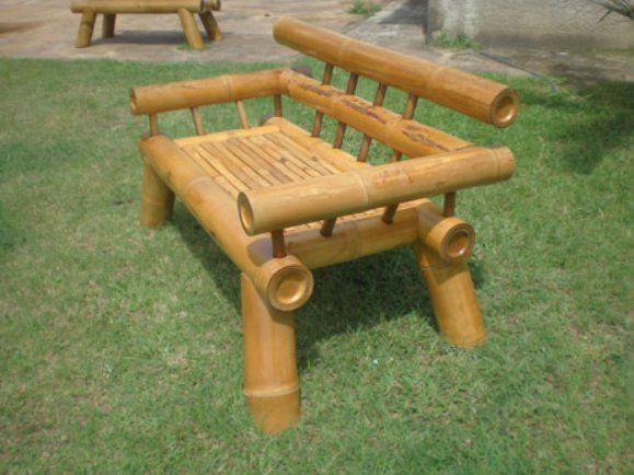 Móveis de bambu unem sustentabilidade e beleza em sua decoração.