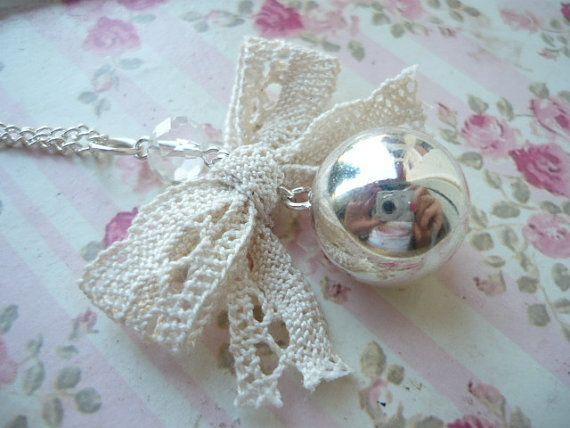 delicata collana con chiama angeli bola messicana di LuToBeSpecial, €10.00