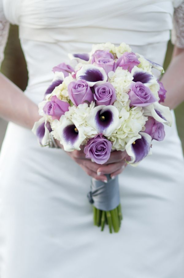 purple rose and calla lily bouquet