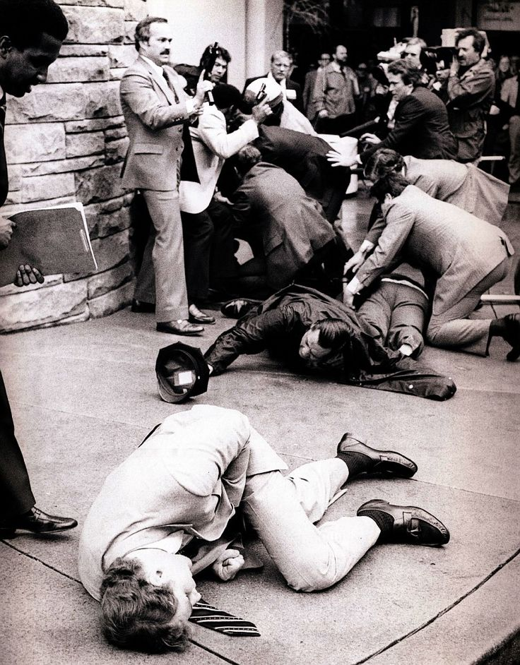 Pulitzer Prize Winning | ... La tentative d'assassinat de Ronald Reagan Photo 3 Pulitzer'Prize.jpg