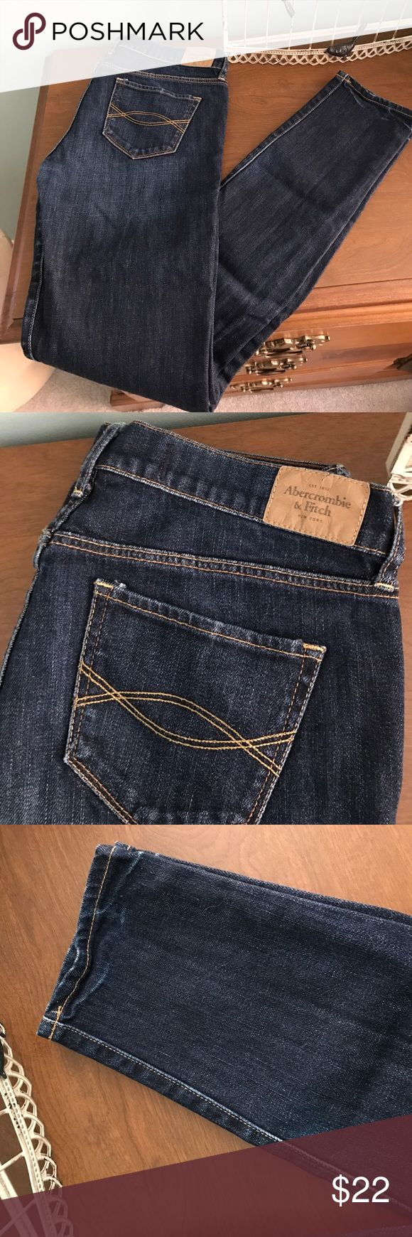 EUC A&F Brett super skinny jean Great condition, no fading. Minor cracking of leather tags and a few loose strings may be present can get cut off. Size 4L or 27x33. No modeling. Thanks Abercrombie & Fitch Jeans Skinny
