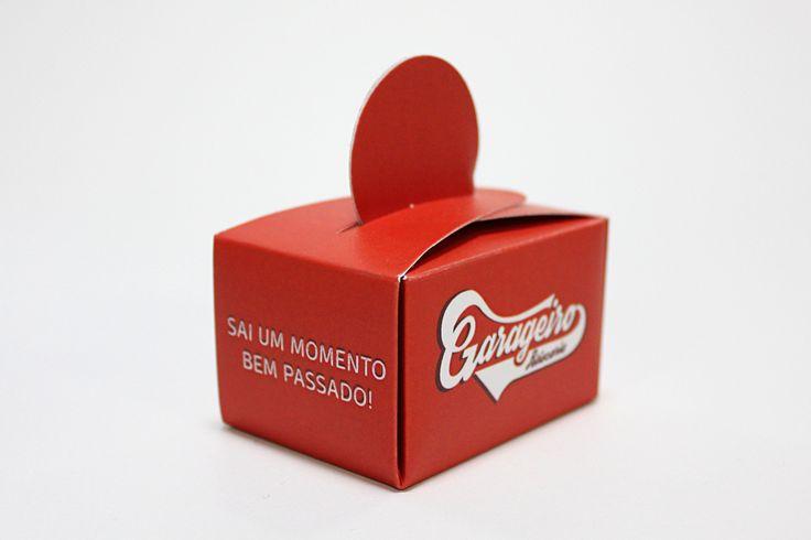 Caixa-brinde desenvolvida para o Restaurante Garageiro, para o Dia dos Namorados.