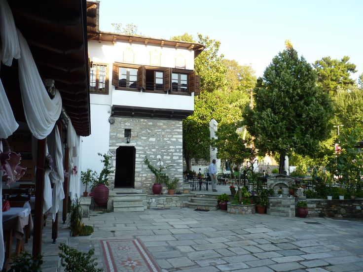 Άποψη του παλιού Αρχοντικού που χτίστηκε το 1860...  www.archontiko-kleitsa.gr  www.facebook.com/archontikoKleitsa