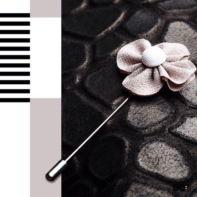 We would style this for a chiller shopping day or for a formal occasion too! We want to know how you would wear this poppy beige flower lapel pin?  #lapelpin #lapel #chiller #formal #shopping #poppy #flower #beige #bosquare #bespoke #store #mumbai #edgy #dapper #style #suave #instafashion #instalike #instadaily #instastyle #fashion #menswear #mensstyle #mensfashion #apparels #accessories #productoftheday