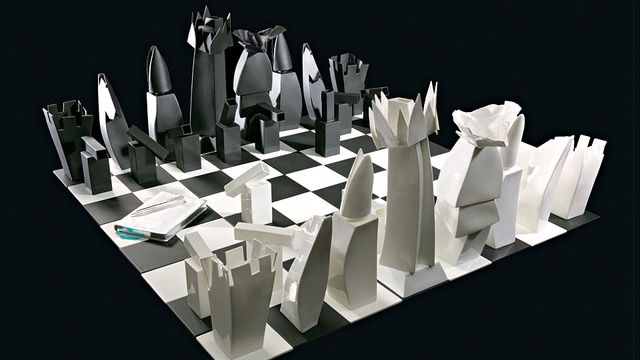 Frank Gehry's Tiffany Chess Set Is a Miniature Architectural Marvel