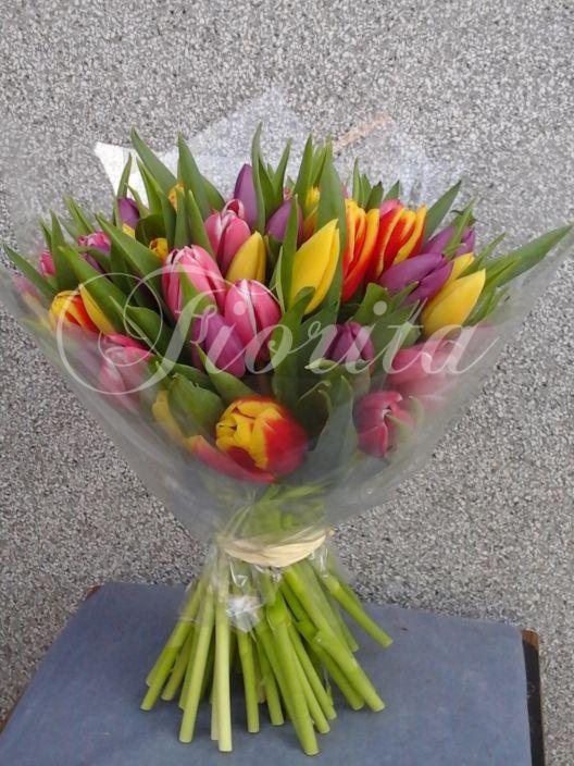 Kytice z45 tulipánů