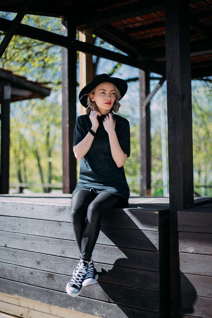 outfit, converse, all black, converse chulk taylors, urban outfitters, black hat, converse outfit, black converse outfit, cheap monday dress