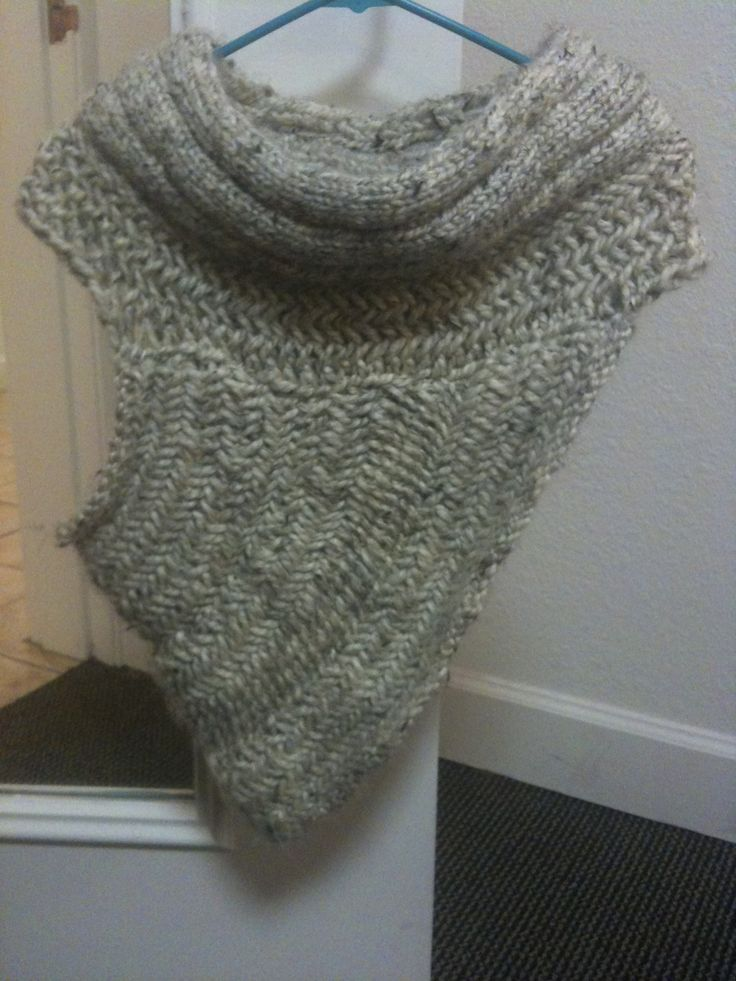 Katniss Scarf Knitting Pattern : 404 best images about Crocheted Scarves, Cowls, and Wraps Oh My! on Pinterest