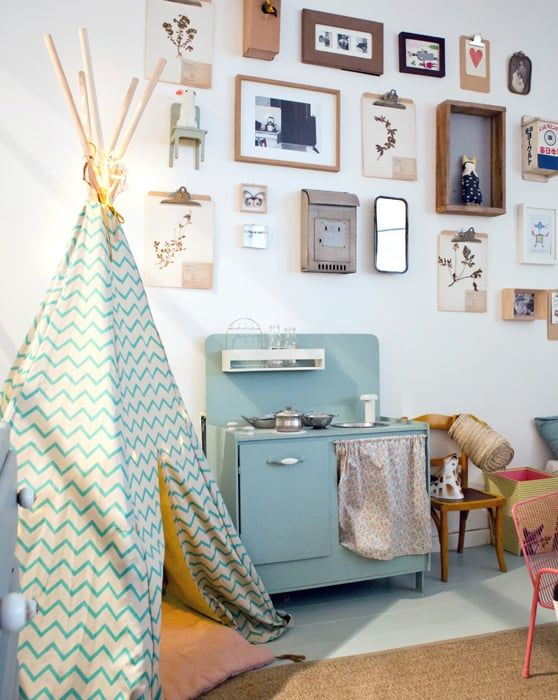 How to Decorate a Playroom - Petit