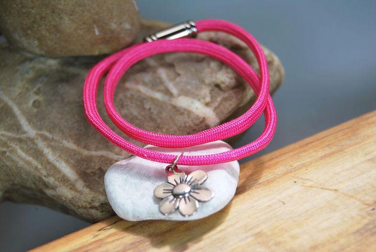 Wickelarmbänder - Paracord - Armband pink mit Blume - ein Designerstück von DaiSign bei DaWanda