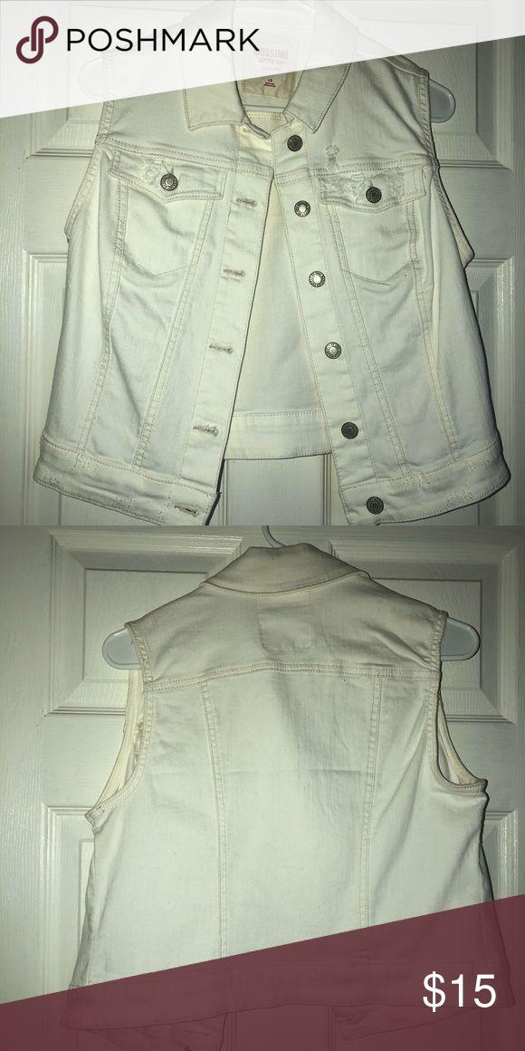 White denim vest Never used white denim vest Mossimo Supply Co Jackets & Coats Vests