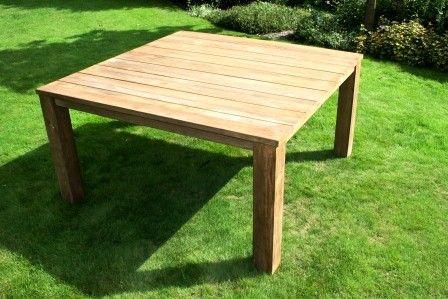 Teak Tafel Luna is een vierkante tafel en geheel opgebouwd uit teak. Deze tuintafel biedt ruimte aan maar liefst acht personen. Deze tafel is gemaakt van het hardhout teak en netjes afgewerkt met een transparante afwerking. Teakhout is een zeer sterke en betrouwbare houtsoort en is daarnaast bestand tegen zeer veel weertypen. #bijzettafel #bijzettafels #tuintafel #tuintafels #Tuintrends #Tuin #Tuinieren #Tuinmeubel #Tuinmeubels #Tuinmeubelen