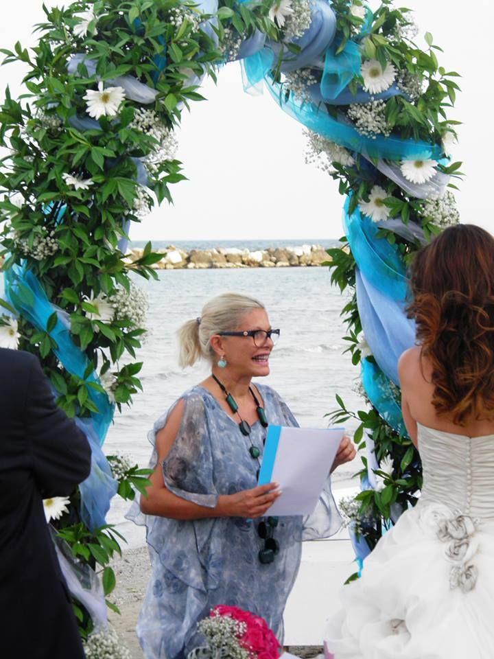 Cerimonia sulla spiaggia? Assolutamente! / It's a beach wedding!