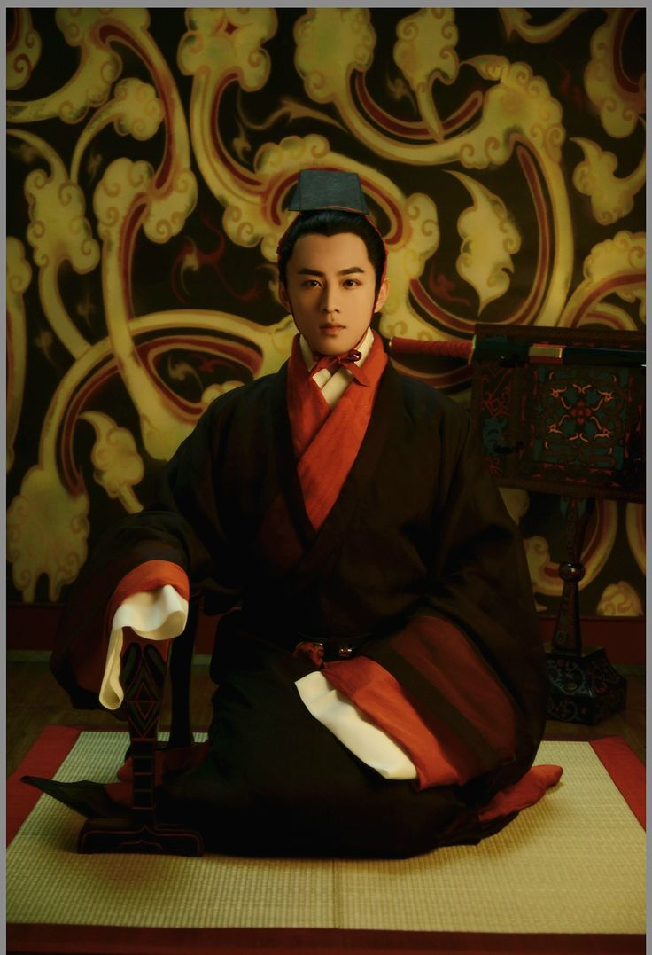 长安月 (Historical accurate traditional Chinese fashion in...)