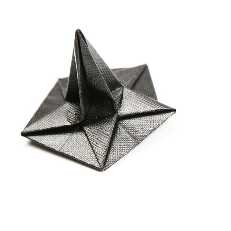 Origami witch hat  made from pentagonal paper quite easy to make  #origami #witcheshat #origamihat #paperfolding #paperkawaii #pentagon #halloween #star
