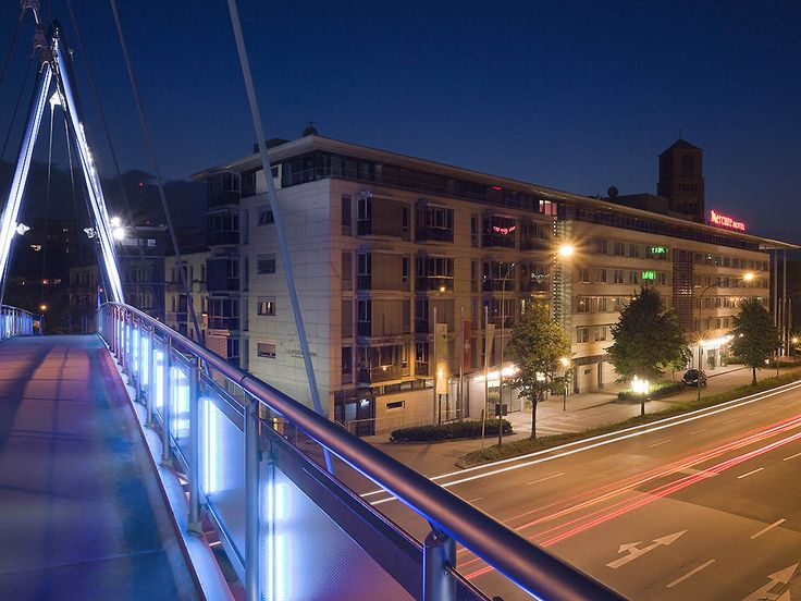 MERCURE HOTEL PLAZA ESSEN: The 4-star Mercure Hotel Plaza Essen is very close to the Philharmonie concert hall, the Aalto Theater and…