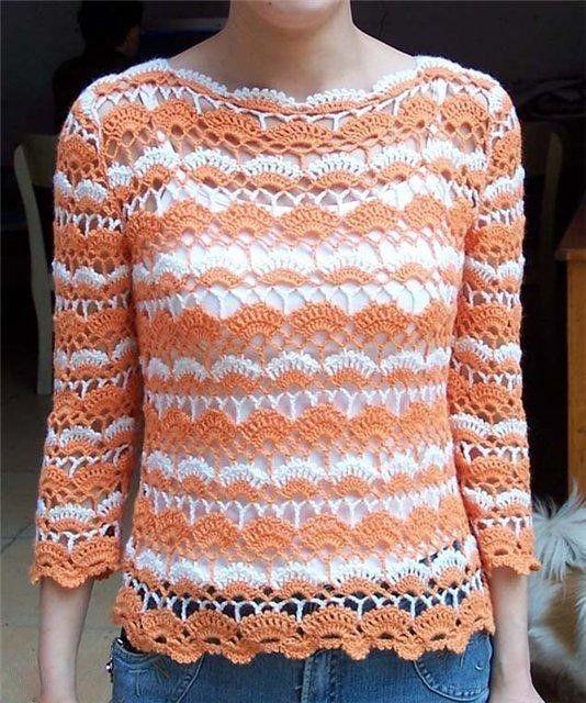 See that beautiful work in crochet yarn in this beautiful blouse. Very elegant. | Crochet patterns free