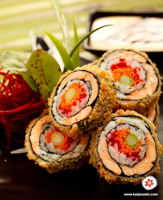 Dragon Eye Sushi Roll (en Français) Recipe is in French so I can't make it myself, but the photo is making my mouth water.