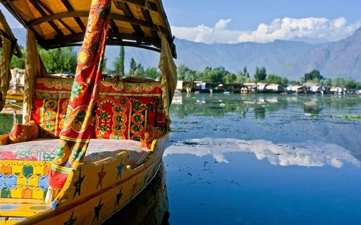 Called as the Heaven on Earth, Srinagar, Kashmir, North India is truly what your photographers eye would love to settle down with!   #India #Srinagar #photographersparadise #heavenonearth #Kashmir #NorthIndia #travel #trip #tour #yolo #usa #UCLA
