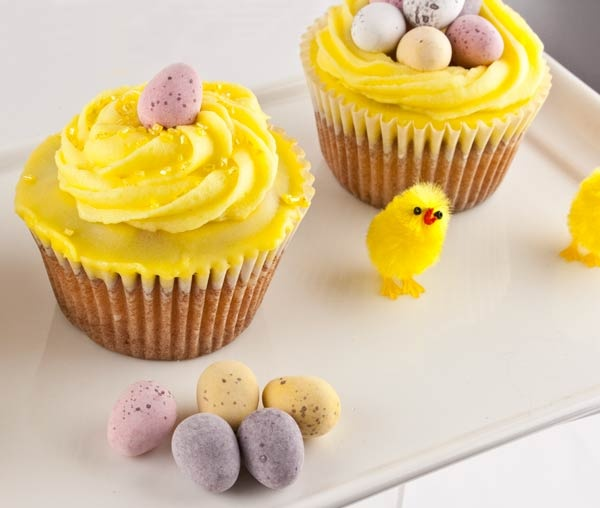 Easter Cupcake Decorating Ideas Pinterest : Lemon Easter cupcakes :: Brambles Cake Decorating # ...