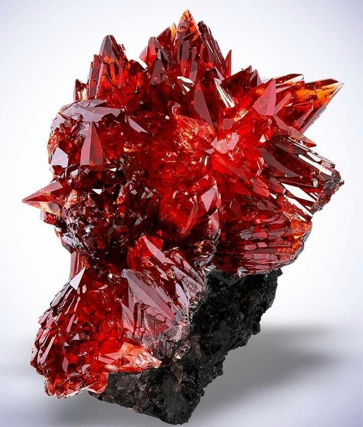 Incredible rare Rhodochrosite From  N`Chwaning Mines, Kuruman, Kalahari manganese field, Northern Cape Province, South Africa Credit: Saphiraminerals  Amazing Geologist