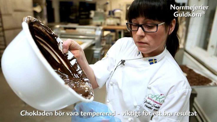 Lär dig göra chokladdekorationer med Jessica Sandberg