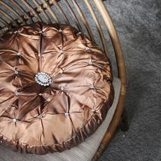 Copper cushion. Fun and extreme.