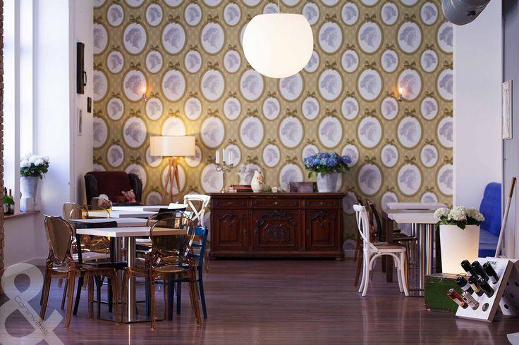 Az Óz Kantin elegáns designnal felruházott belső helyisége. / The elegant inner premises of Óz Kantin.