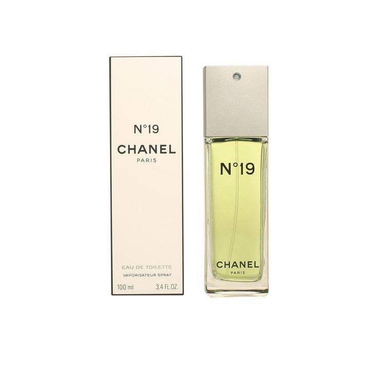 Perfume Chanel nº19 edt, composto de flores brancas e verdes.  19 de agosto, número 19.  Uma data de nacimento - o da Mademoiselle Chanel - e o nacimento de um perfume, ambos nascidos com o signo de Leao