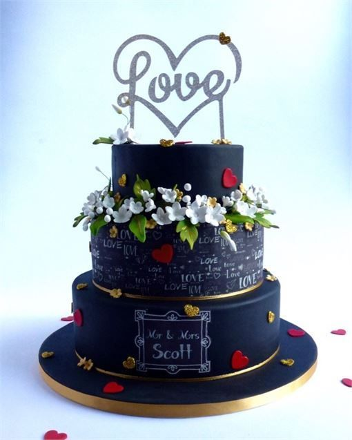 Personalise your wedding cake!