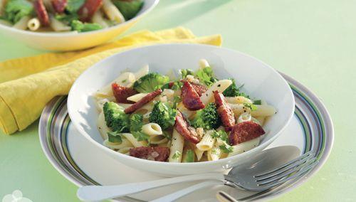 Chorizoworst in combinatie met pasta en broccoli is een echte aanrader! Heb jij dit recept al eens geprobeerd? http://www.vriendin.nl/koken/recepten/7315/recept-voor-pasta-met-chorizo-en-broccoli